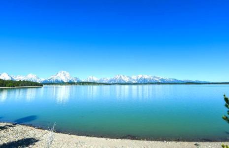描写湖水像什么的句子 湖水像什么比喻句大全